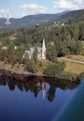 162511 b Kviteseid kyrkje.jpg