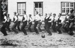 Kviteseidlærarar på kroppsøvingskurs 1922 - #KvH 093 b