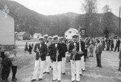 Hornmusikkantar 1 mai midt på 50talet - #KvH 08-029 b