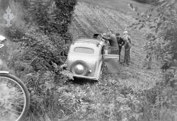 Bil utfor vegen 1958 - #KvH 09-073 b