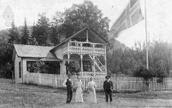 Familien på Flatland i Kviteseid tidleg 1900-tal - #KvH 05-043 b