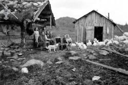 Bøsstaul i Øyfjell Anne og Tor Aabø 01 - #KvH 06-063 b