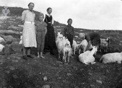 Bøsstaul i Øyfjell Anne og Tor Aabø 02 - #KvH 06-064 b