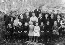 Brunkeberg skule før 1925 - #KvH 144 b