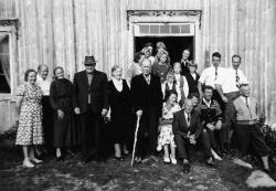 Eilev Omland 80års dag 18081961 -#KvH 03-058 b