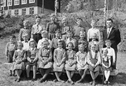 Vråliosen skule 1954-55 - #KvH 146 b