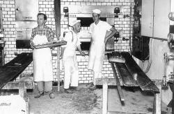 Bakarane i full gang 1962 fv Arne Jacobsen Frits Jacobsen og Oddvar Haugen - #KvH 07-036 b