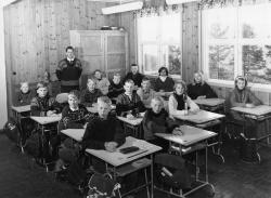Brunkeberg skule 7 kl 1965 66 - #KvH 151 b