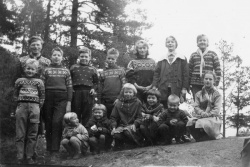 Brunkeberg sundagsskule 1959 på Kyrkjenuten - #KvH 03-070 b