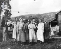 Arbeidlag ved Lunden frukt 1950åra - KvH 03-010 b