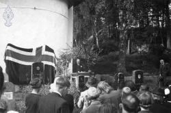 Avduking av Zetlitzsteinen 01 - #KvH 08-006 b