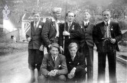 17 mai 1945 Kviteseidbyen 02 - #KvH 08-010 b