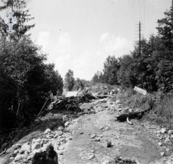 Flaum 1953 nr 04 Haukomgrend - #KvH 02-083 b