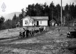 17 mai 1953 Bergsto skule - #KvH 08-022 b