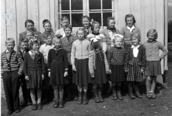 Åsgrend skule om lag 1955 - #KvH 045 b