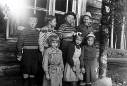 Åsgrend skule småskulen 1950tal tidleg - #KvH 046 b