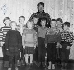 Åsgrend skule om lag 1961 - #KvH 047 b